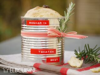 Tomaten-Rosmarin-Dosen-Brot